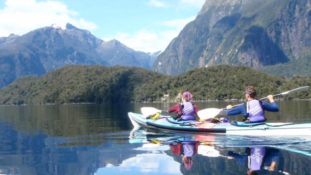 pc040047-doubtful-sound-3-day-sea-kayaking